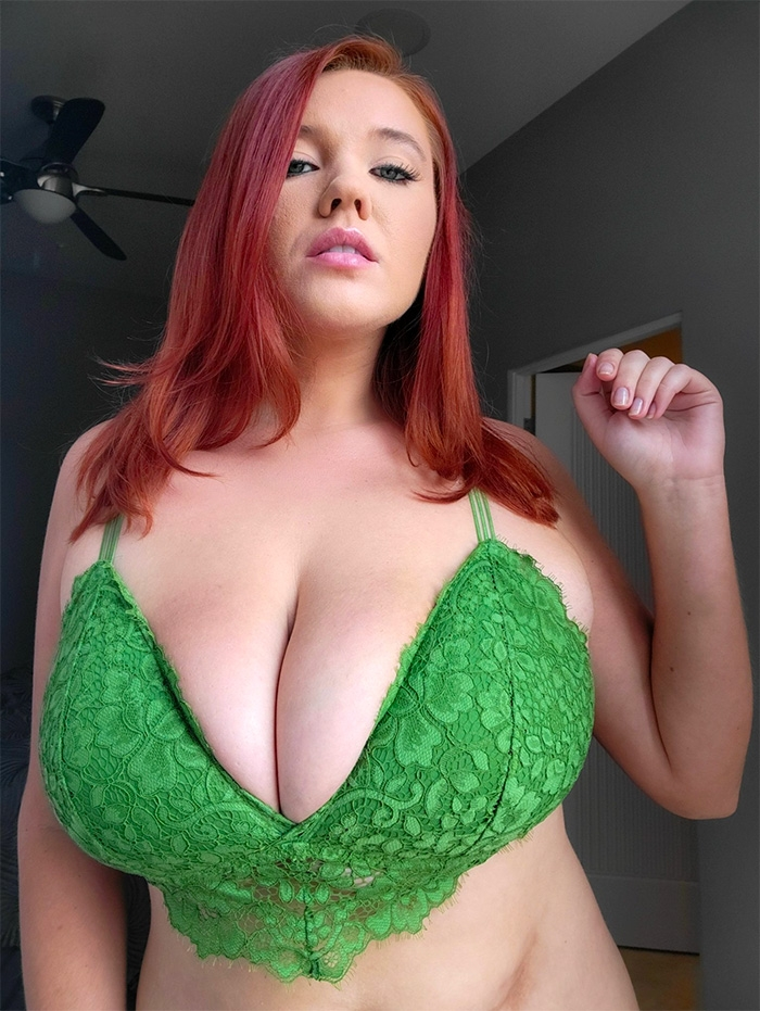 busty-annabelle-flowers